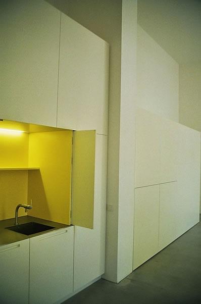 versteckte k che. Black Bedroom Furniture Sets. Home Design Ideas